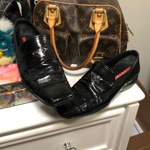 •LOW PRICE MAKE OFFER• RARE $980 PRADA SLIP ONS